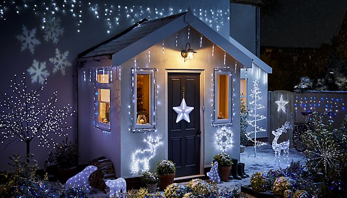 Outdoor Christmas Lighting